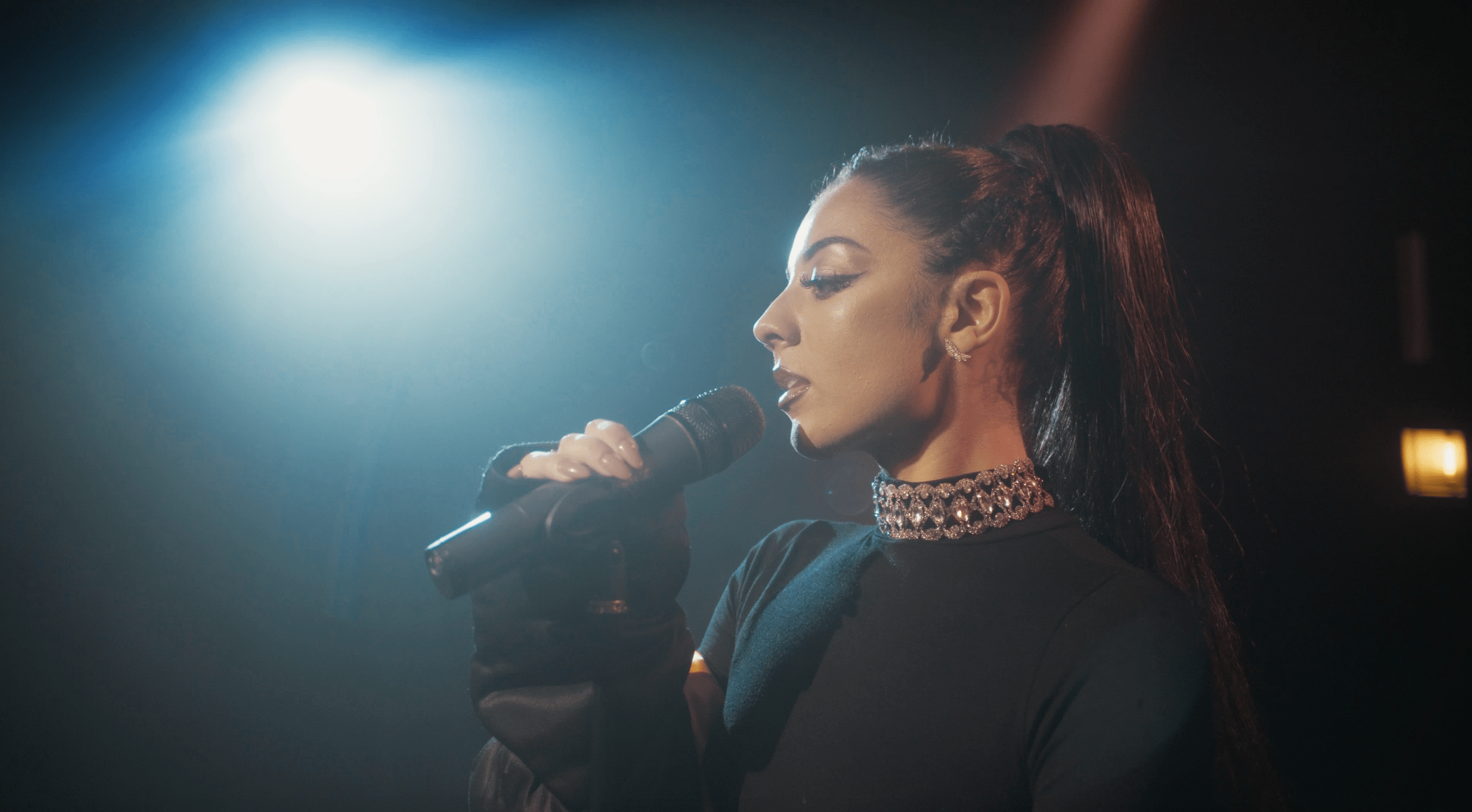 Ariana Grande Tribute Act – Amy Goodall1