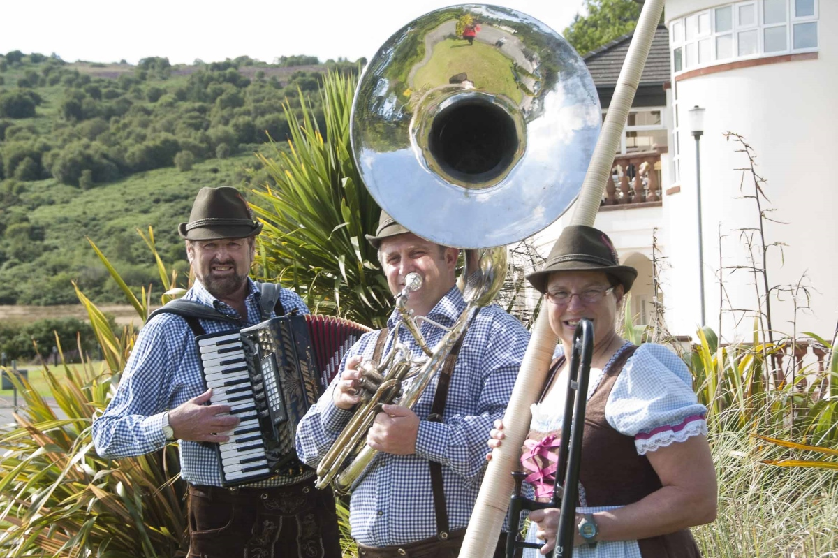 Oompah Band for Hire - Book German Baverian Music - Blue Barons