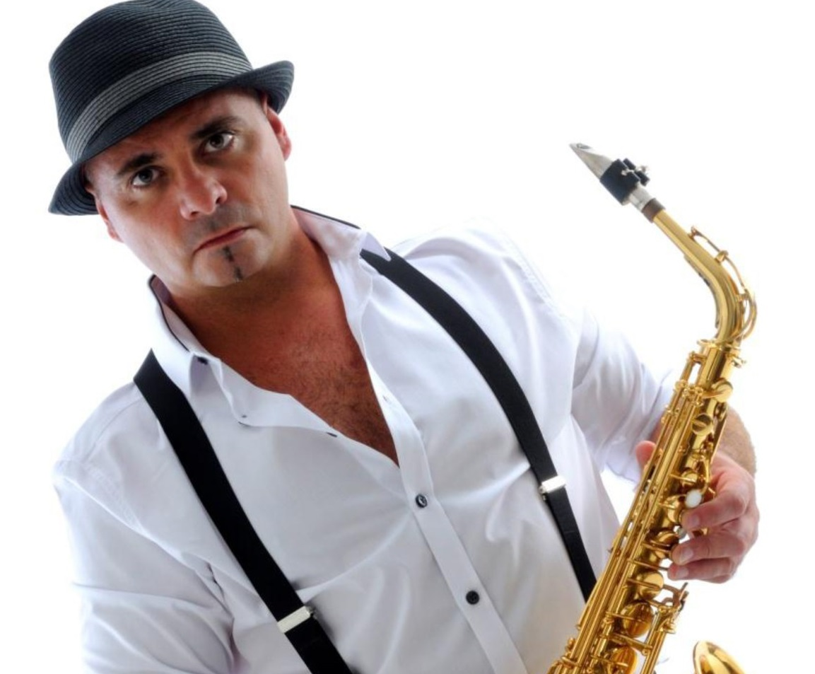 Carlo Sax – Saxophone Player and Vocalist