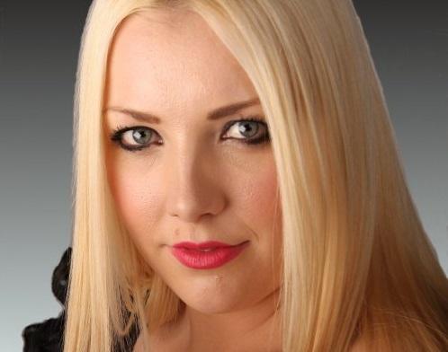 Christie Cartwright - Female Vocalist