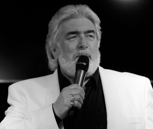 Kenny Rogers Tribute Act - Peter White