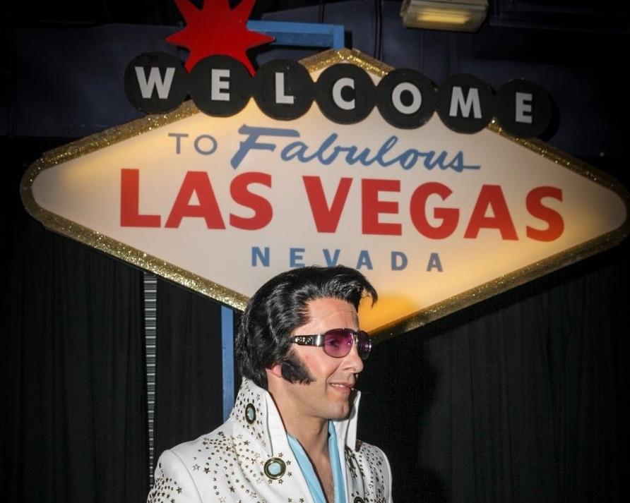 Elvis Impersonator & Tribute Act – Kirk Kreole3