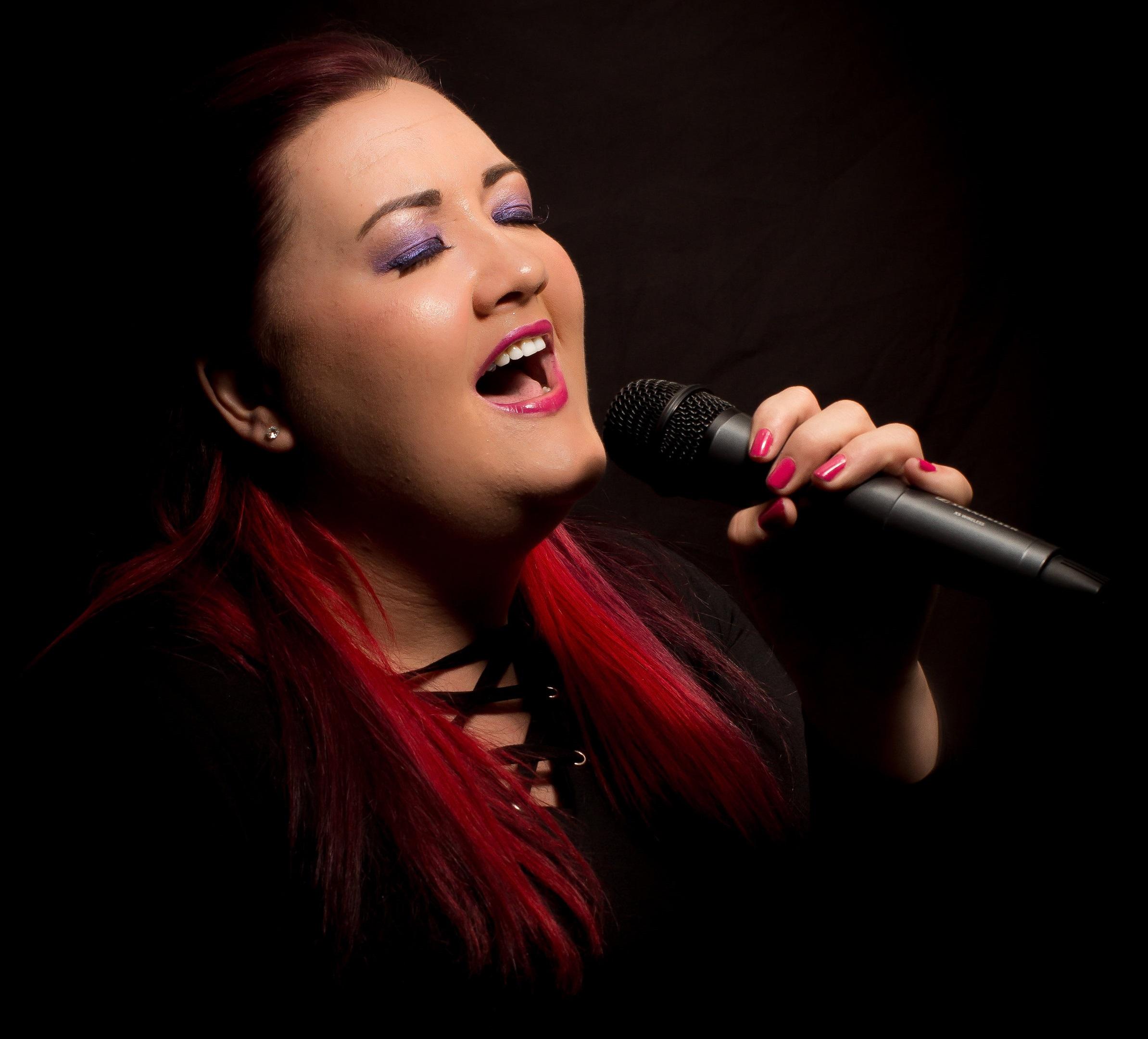 Harriet-Williams-Solo-Female-Vocalist
