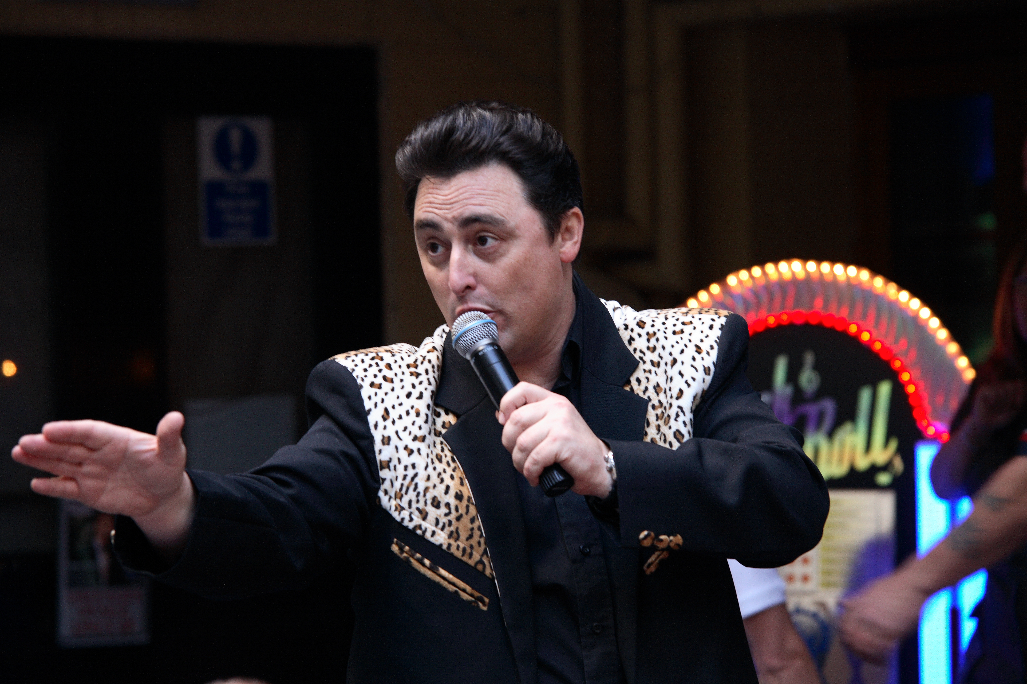 Vince Hughes - Rock n Roll Tribute Act