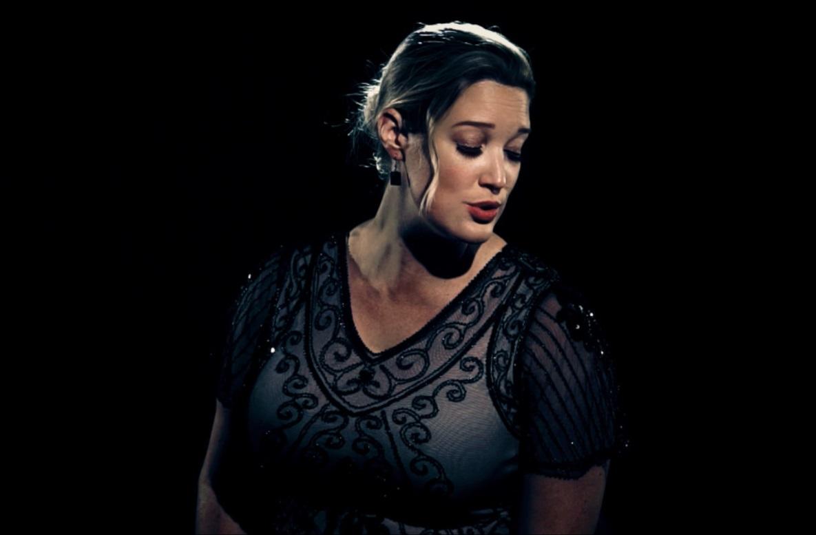 Classical Crossover Singer - Jo Farrow
