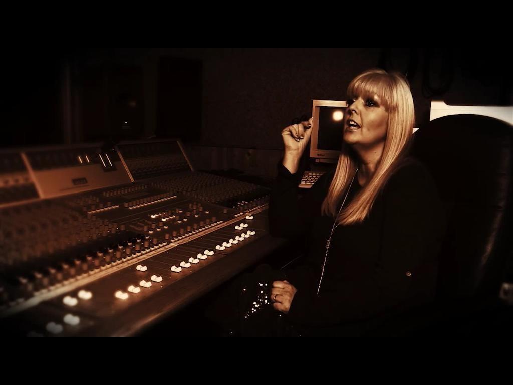 Paula Ann - Female Vocalist
